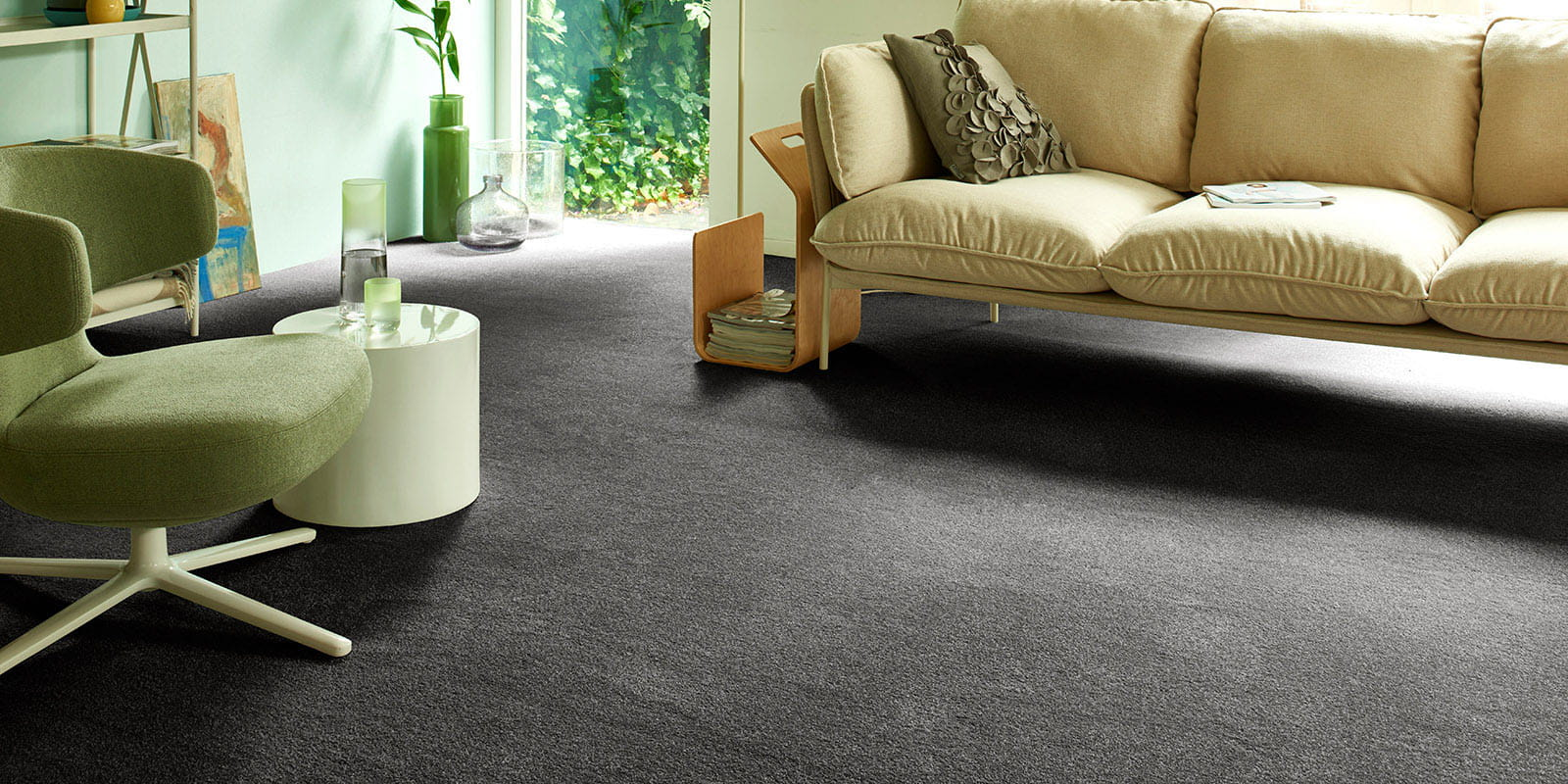 Sedna® Carpet - Varuna 97 - Charcoal - Living_02